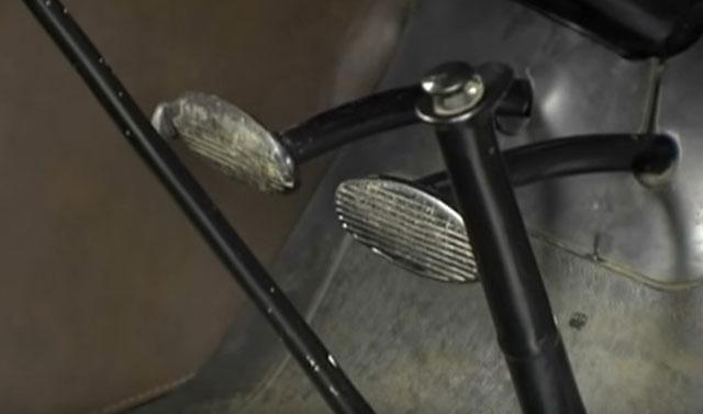 Педали управления ГАЗ А